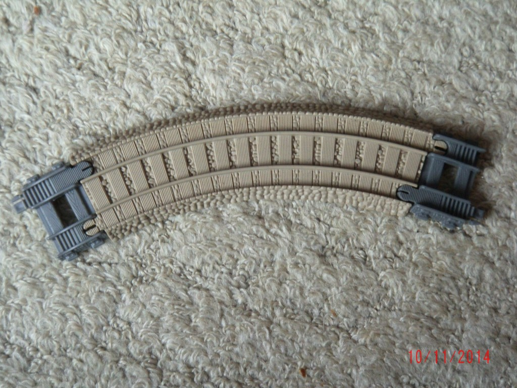 tomy/trackmaster comparison and special track - suns thomas and friends